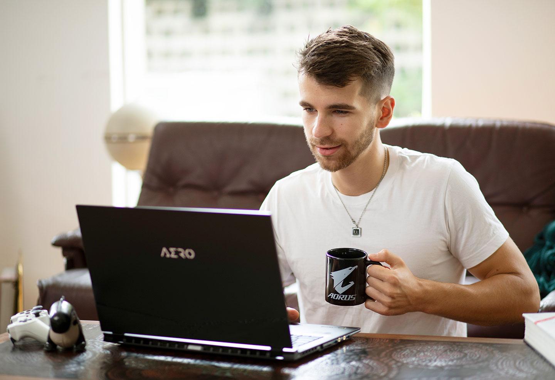 AERO Creator Laptop Distance Education