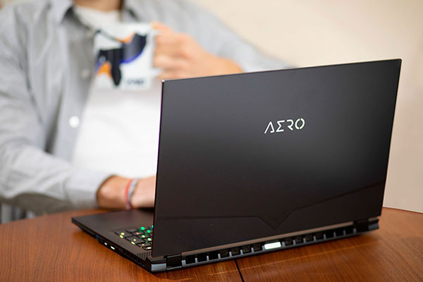 AERO Creator Laptop All Day Battery Life